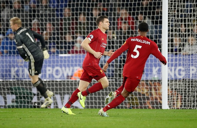 Leicester 0-4 Liverpool: Khong the can 'The Kop' hinh anh 21 2019_12_26T213116Z_389903520_RC293E9G8NPW_RTRMADP_3_SOCCER_ENGLAND_LEI_LIV_REPORT.JPG