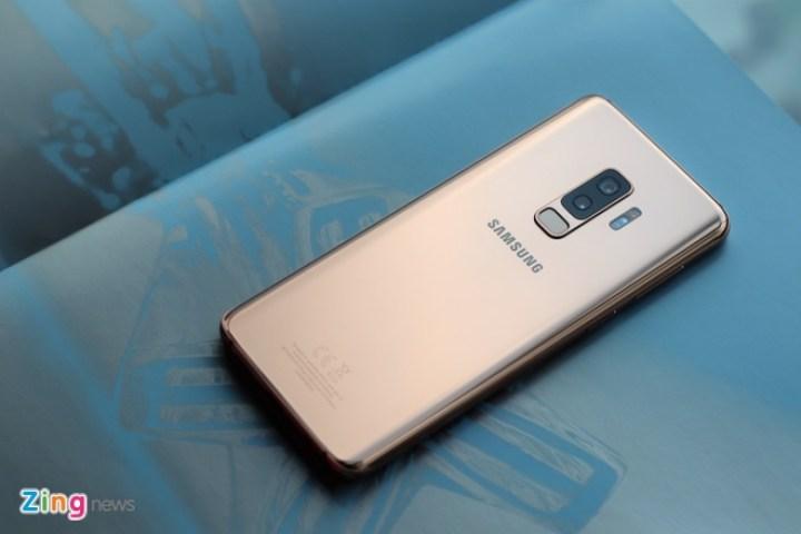 Loat smartphone giam gia manh dau nam 2019 hinh anh 1