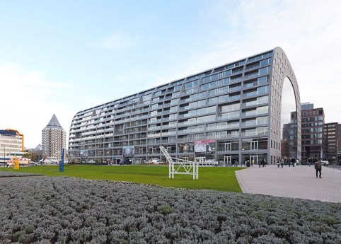 MVRDV-Markthal-Rotterdam-Hufton-Crow_dezeen_784_17