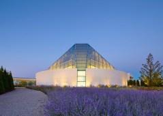 Ismaili-Centre-by-Moriyama-and-Teshima-Architects_dezeen_784_0