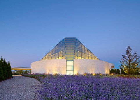 Ismaili-Centre-by-Moriyama-and-Teshima-Architects_dezeen_784_0