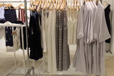 Why Online Dresses Shopping in Singapore is Preferred for Buying Office Wear