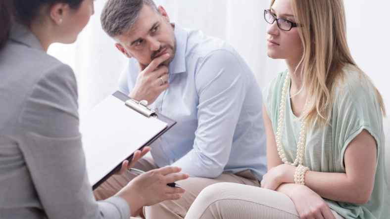 5 Questions to Ask Your Divorce Lawyer