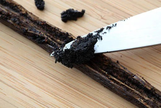 How to use a vanilla bean - photo by Zoë François