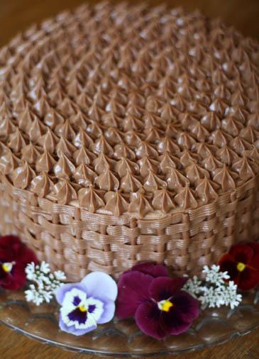 A Red Velvet Birthday Cake Basket Weave 101 Zoebakes Eat