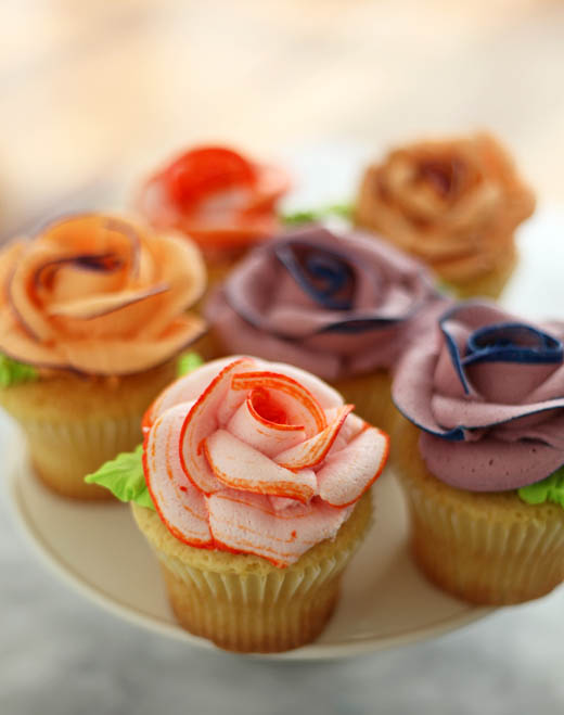 How to Pipe Icing Roses | Photo by Zoë François