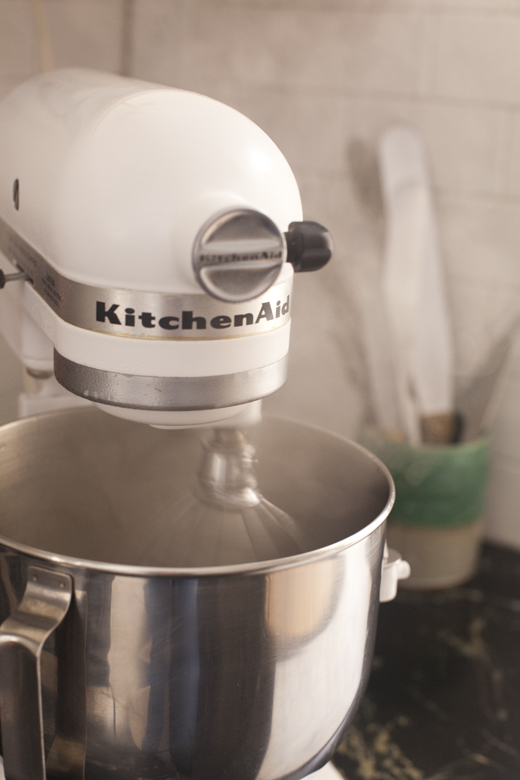 Mixer on low speed | how to make homemade marshmallows | photo by Zoë François