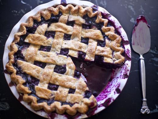 Blueberry Pie Recipe - fully baked, golden brown blueberry pie | photo by Zoë François