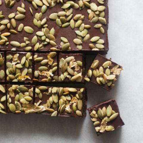 No-Bake Chocolate Pepita Crunch Bars