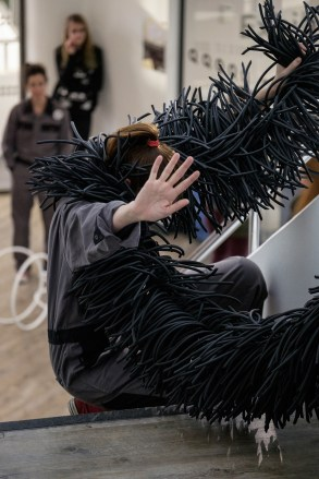 flockomania-at-costume-fashion-in-context-and-practice-image-credit-christian-kipp-17