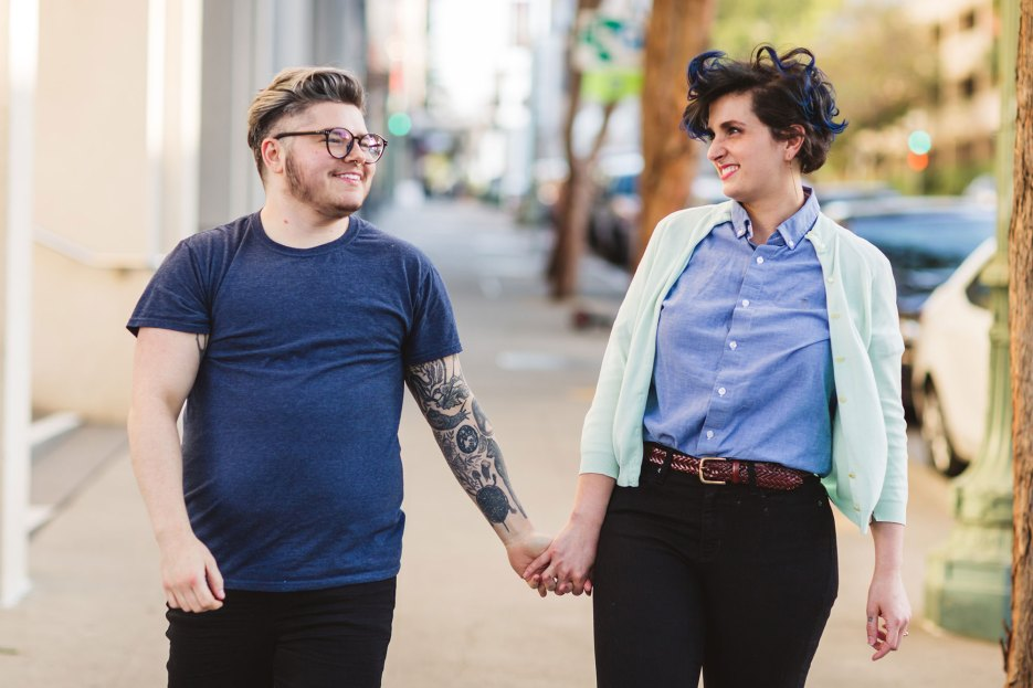 photo of couple with a 2 X 3 image ratio