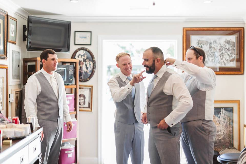 what is it like working with a cheap wedding photographer