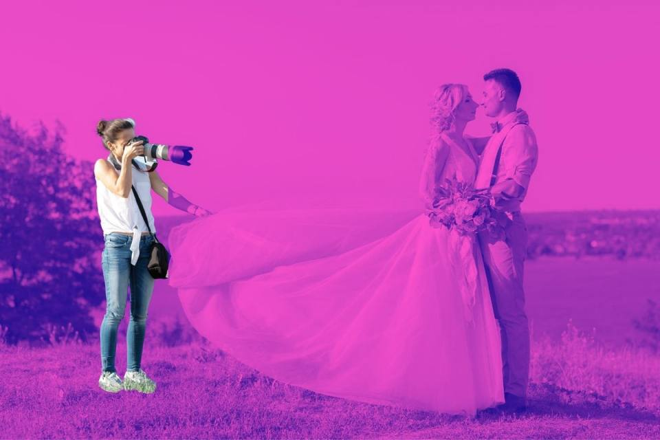 graphic of a wedding photographer photographing a couple getting married