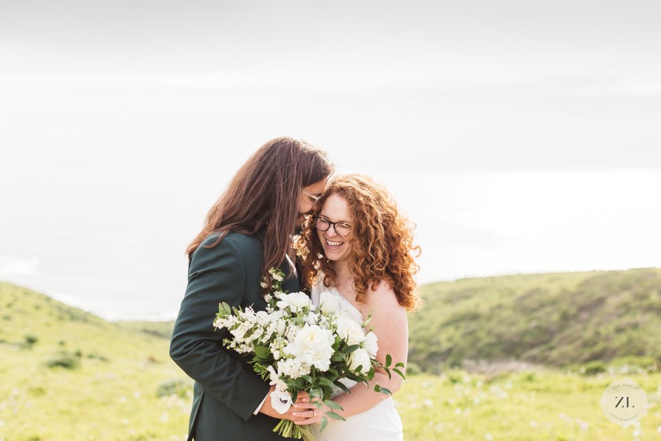 Communication with your vendors in advance of the wedding day is an important part of ensuring the wedding day is stress-free