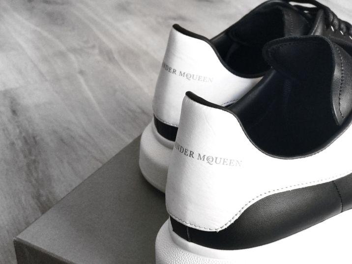 Alexander_McQueen_Oversized_Sneaker_Unboxing_03