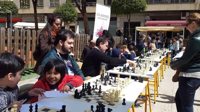 Simultánea de ajedrez Plaza Carmelitas