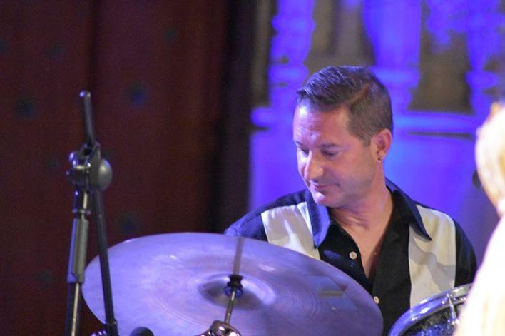 Bruno Goiburu a la batería (Foto: FerCyborg)
