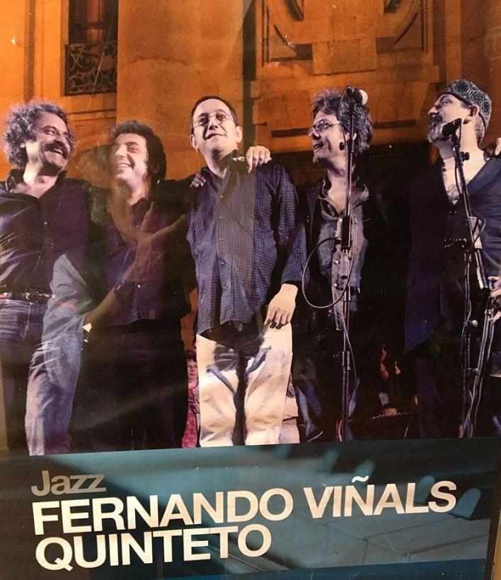 Javier Viñals con Antonio Serrano, Javier Colina, Guillermo Mcgil, Norman Hogue
