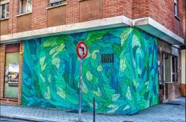 """""""Reforestación"""" Obra de arte urbano por Doa Ocampo en el Barrio del Oeste"""