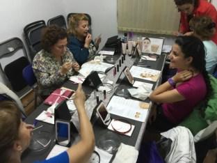 Las participantes en el consultorio de belleza