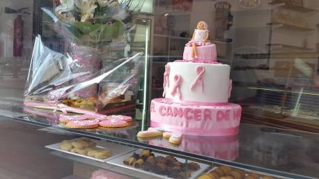 El Oeste contra el cáncer de mama