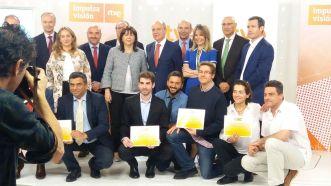 David Gómez recibiendo el premio de RTVE