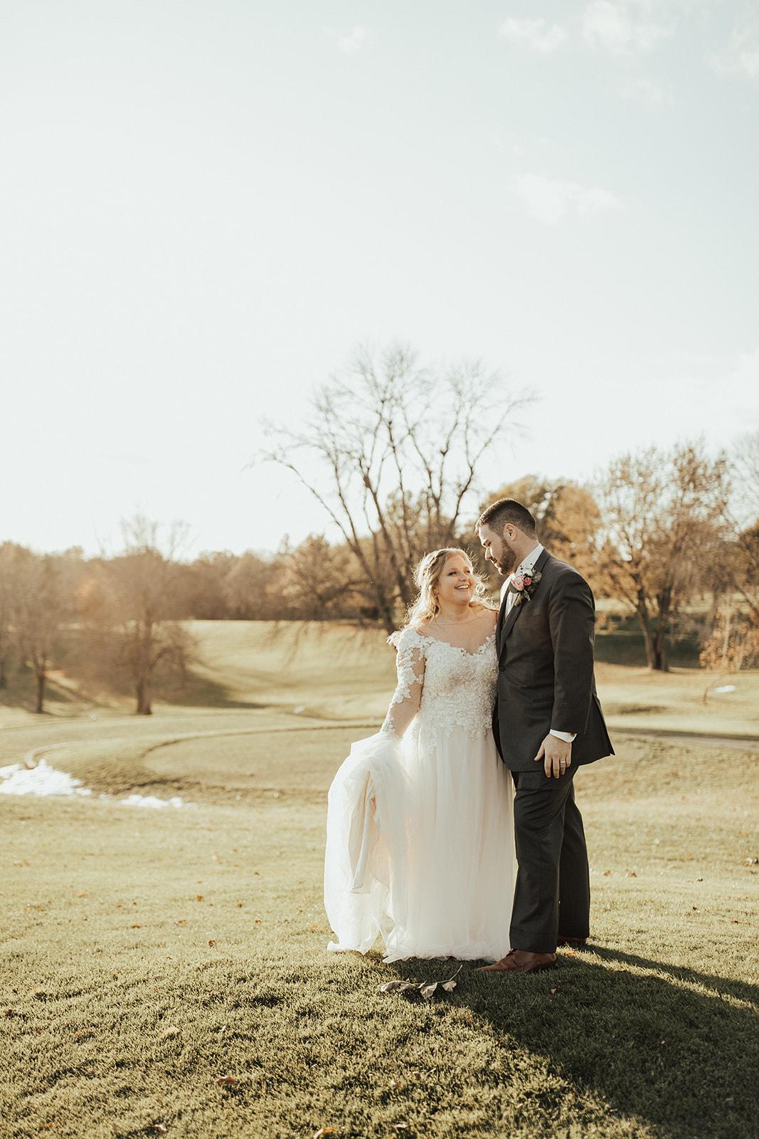 beautiful fall golf course wedding in iowa