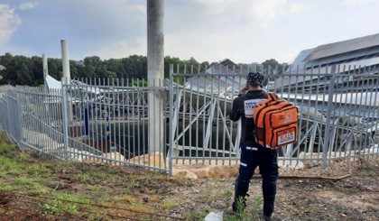 שמונה פועלים נפצעו בקריסת גג בבית ספר כדורי שבגליל התחתון