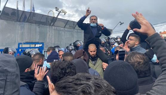 חמישה מפגינים נעצרו ואחד נפצע בעת מחאה נגד האלימות בחברה הערבית באום אל-פחם