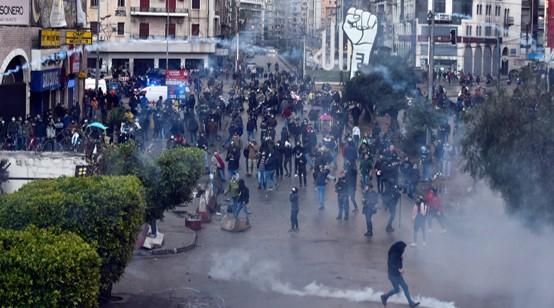 הציתו את עיריית טריפולי בלבנון לאחר שבהפגנות נהרג צעיר ויותר מ-500 נפצעו