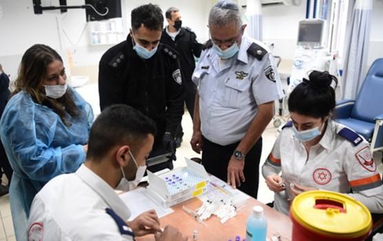 """ח""""כ כסיף דורש לפתוח בחקירה פלילית נגד השר אוחנה בגלל סירובו לחסן את האסירים"""