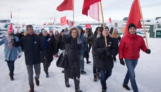 מהפך בגרינלנד: מפגלת השמאל האדומה-ירוקה ניצחה בבחירות לפרלמנט