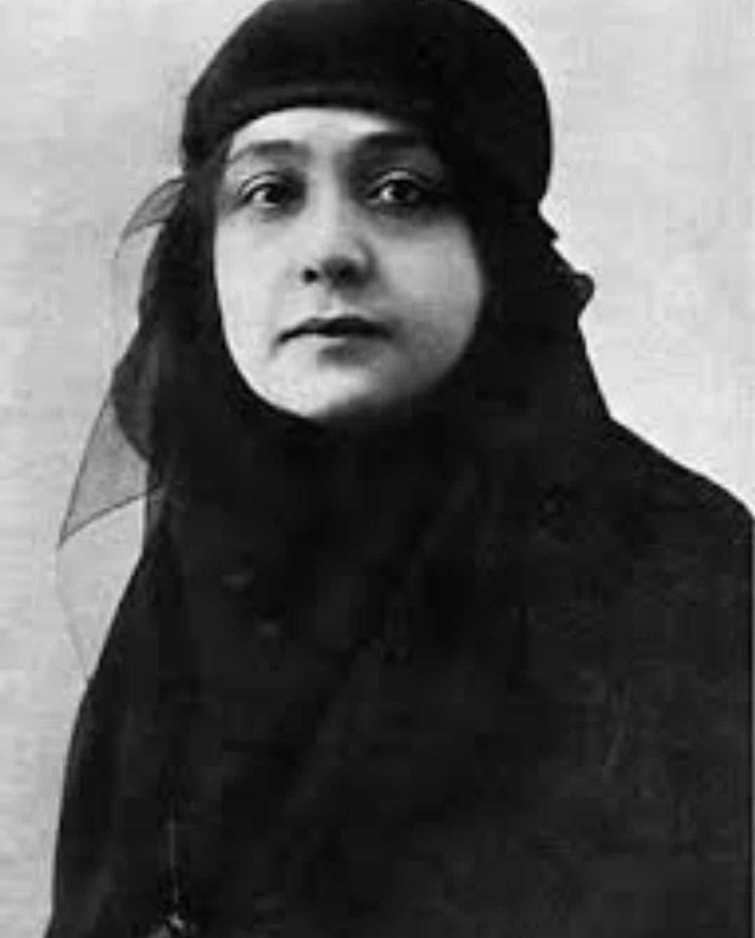 אם הפמניזם הערבי במצרים ובעולם הערבי: הודא שעראווי נולדה ב-23 ביוני 1879