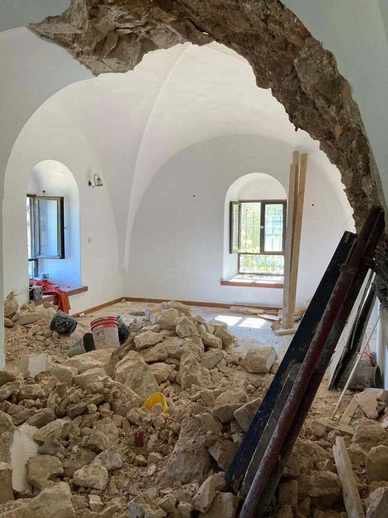 ההרוג ה-22 בענף הבנייה: פועל פלסטיני נהרג באתר שיפוצים בעין כרם שפעל ללא פיקוח