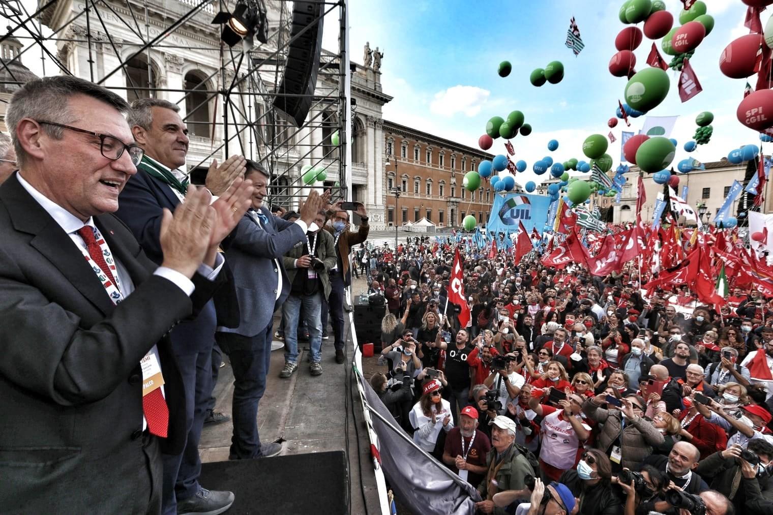 לעולם לא עוד פשיזם: 200 אלף הפגינו במרכז רומא בעקבות קריאת איגודי העובדים