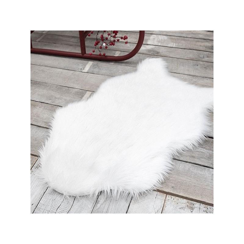 tapis peau de bete avec verso blanc