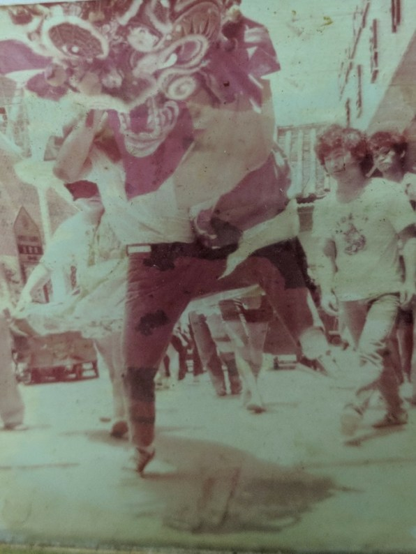 Peng Chau youths strutting their stuff with qilins around the 1970s.