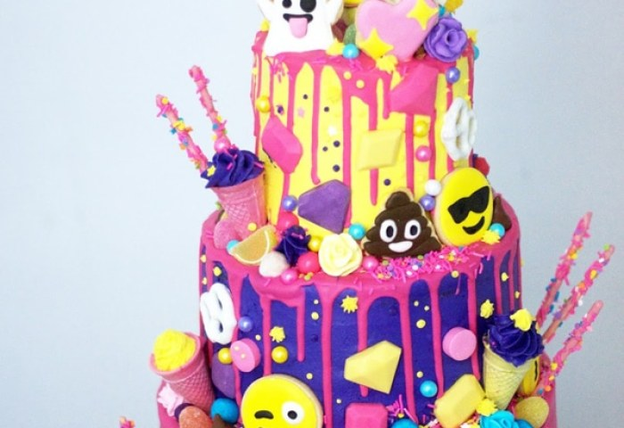 16 Awesome Emoji Cake Ideas Pretty My Party Party Ideas