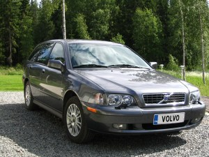 2003 Volvo V40  Information and photos  ZombieDrive