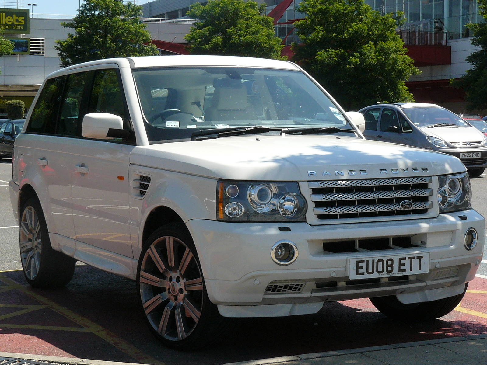 2008 Land Rover Range Rover Information and photos ZombieDrive