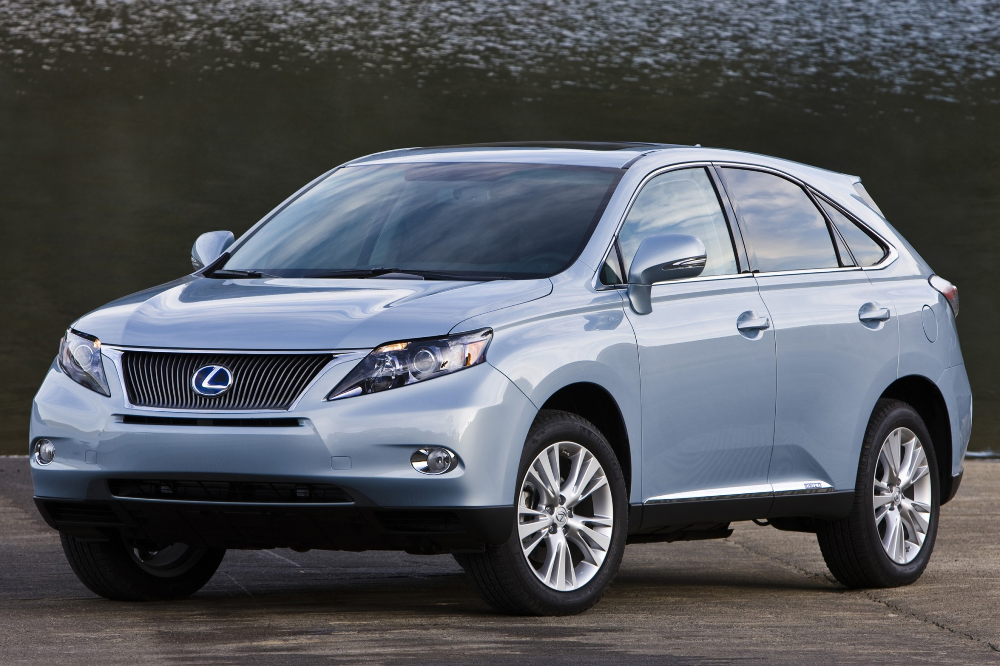 2010 Lexus RX 450h Information and photos ZombieDrive