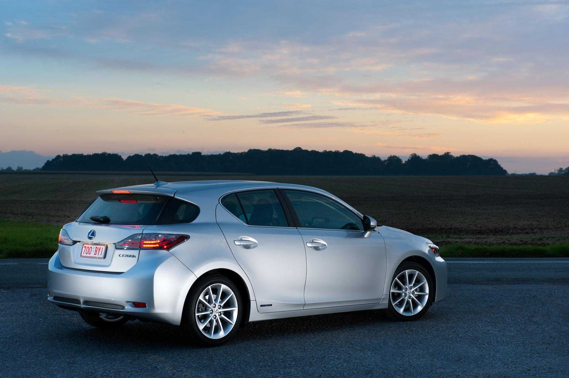 2012 Lexus CT 200h Information and photos ZombieDrive