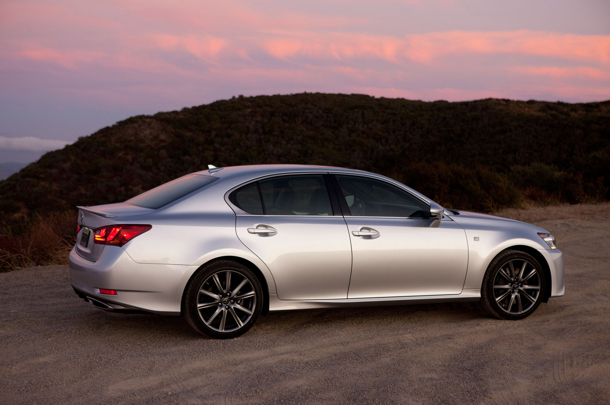 2014 Lexus GS 450h Information and photos ZombieDrive