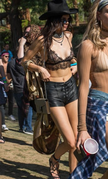 kendall-jenner-look-lace-top-coachella-2016