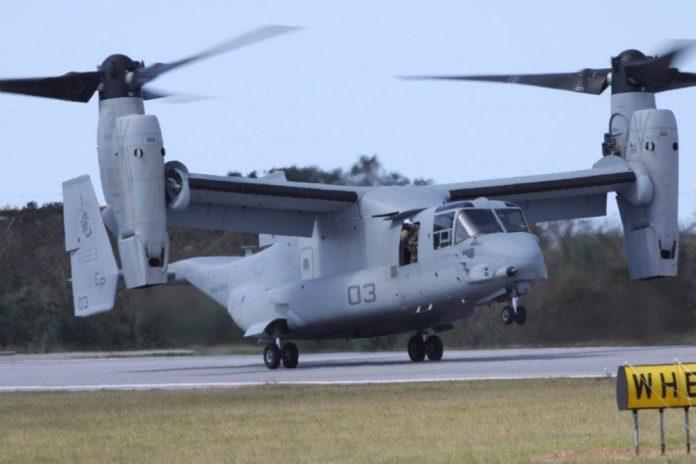 MV-22B Osprey asignado al  VMM-265, arriba a la estación aérea deFutenma. El despliegue de estos medios en la isla de Okinawa no ha sido sin controversia. Imagen: USMC Cpl John Kennicutt.