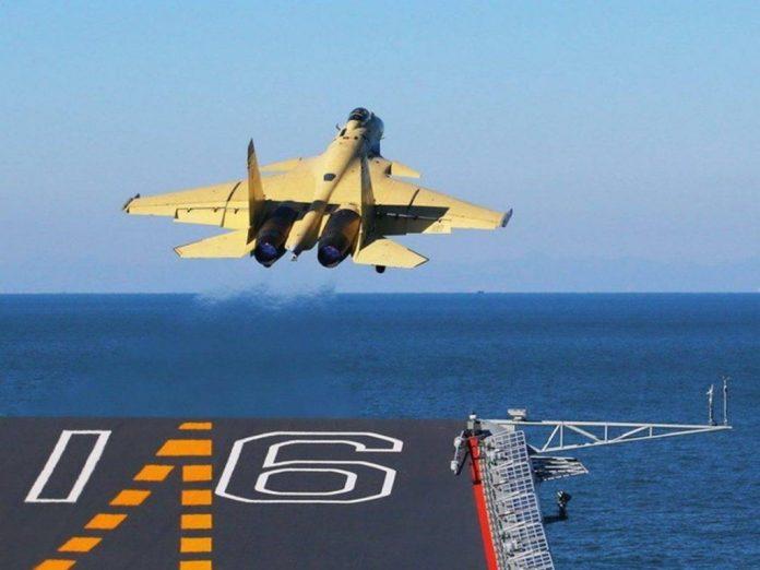 China depende de los turbofan rusos NPO Saturn AL-31F para propulsar a sus J-15. Imagen: Internet.