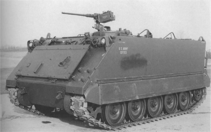M-113A1 en el Aberdeen Proving Grounds luego de realizar una serie de pruebas. Esta nueva versión reportaba significativas mejoras respecto a su antecesor. Imane: Aberdeen Proving Grounds.
