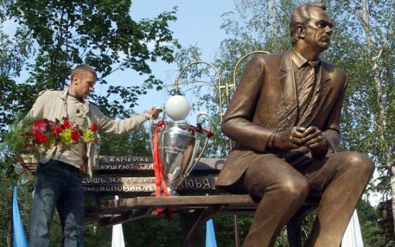 L'omaggio di Shevchenko al suo maesto Lobanovski