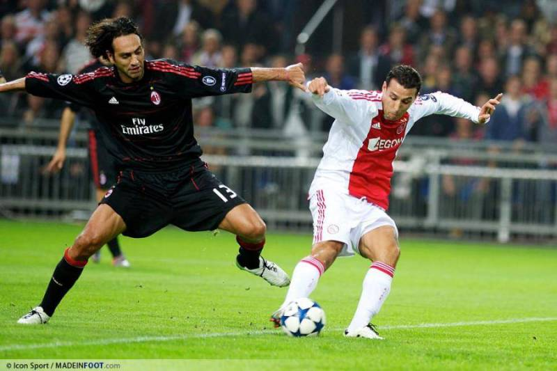 nesta---mounir-el-hamdaoui-28-09-2010-ajax-amsterdam---milan-ac-champions-league-20110703101526-1735
