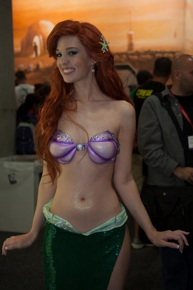 disney-princess-sexy-cosplay-ariel-little-mermaid-flashing-boobs-geek_tits-shelf_porn